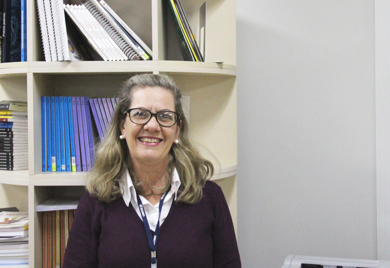 Professora Ivana Busato, coordenadora do curso de Gestão em Saúde Pública