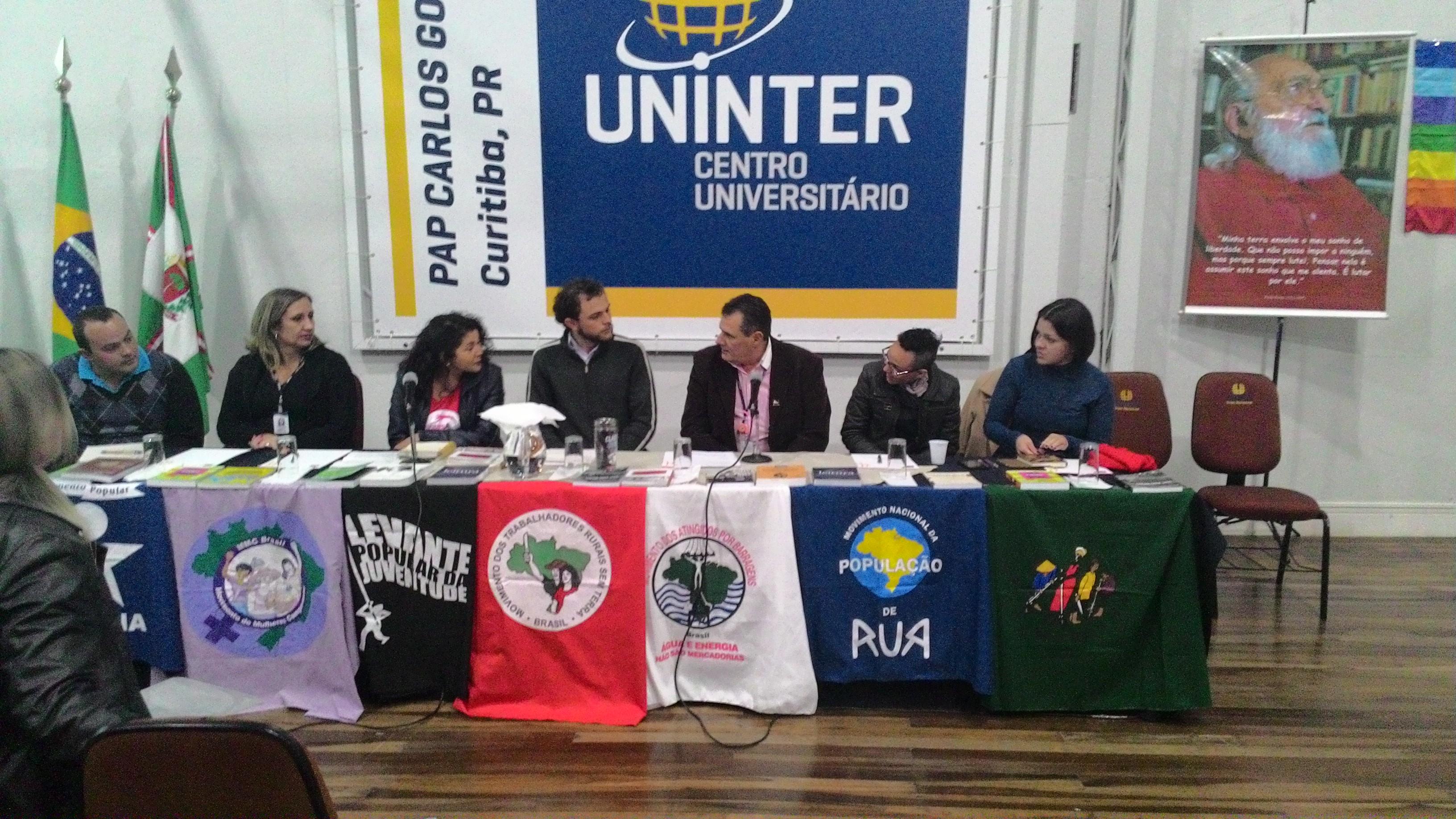 Mesa de Discussão com os líderes dos movimentos
